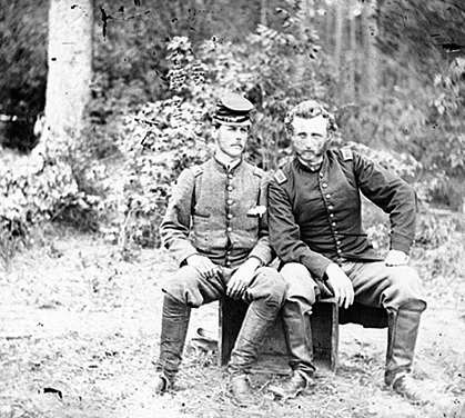 Captain George A. Custer and a captured Rebel officer (LOC.gov photo)