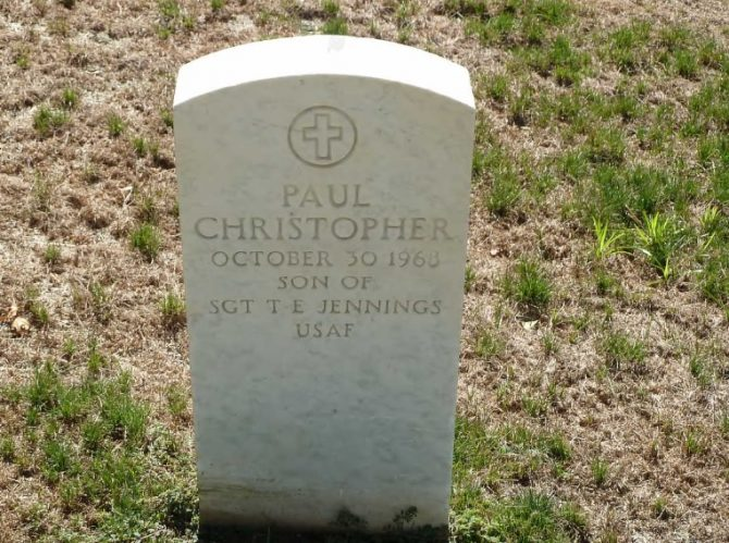 Gravestone at Jefferson City National Cemetery (Defense.gov photo)